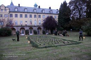 Strecke einer Entenjagd vor Schloss