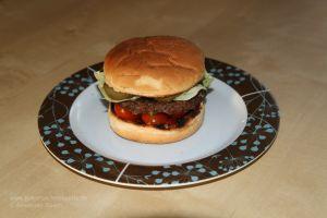 Krähenfleisch, zum Burger verarbeitet